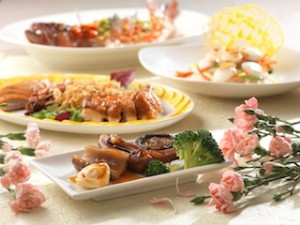 Celebrate the greatness of mom at Zuan Yuan Chinese Restaurant this Mother's Day.