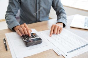 (https://www.freepik.com/free-photo/button-bookkeeper-calculating-white-calculator_1027155.htm#page=1&query=bookkeeping&position=14)